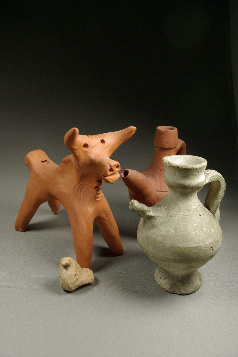 espagne - les sifflets en terre cuite du musée des civilisations de